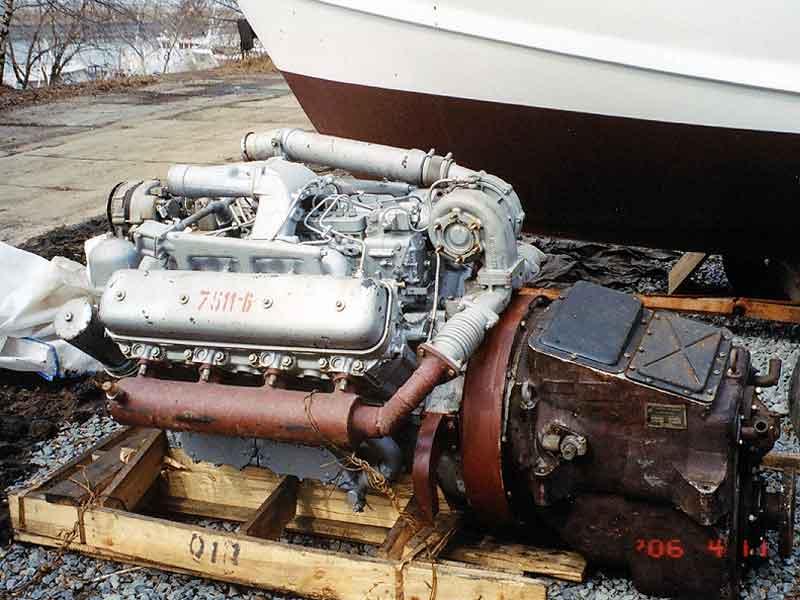 0. Система смазки двигателя ЯМЗ-238Б, ЯМЗ-238Д - смешанная, с мокрым картером.  Схема системы смазки приведена на рис...